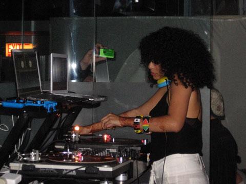 DJ Rashida